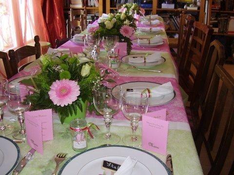 table de communion fuchsia et vert anis